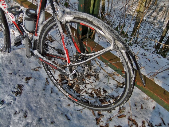 Crud Roadracer vs. Snow