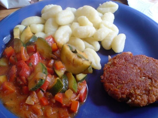 Gnocchi, ital. Gemüse und Bulette