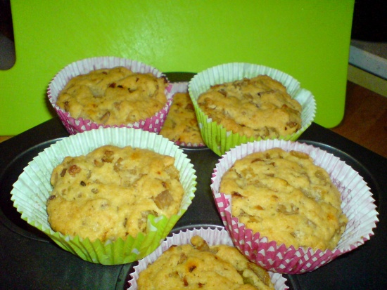 Zwiebel-Räuchertofu-Muffins