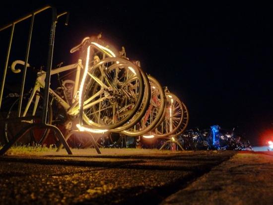 Modernes Geraffel an Lichterkette