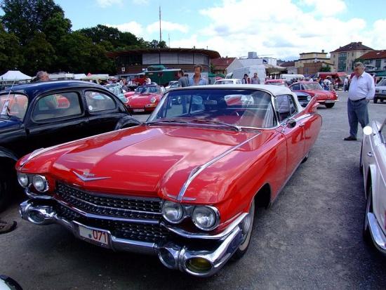 800px-Cadillac Eldorado 1