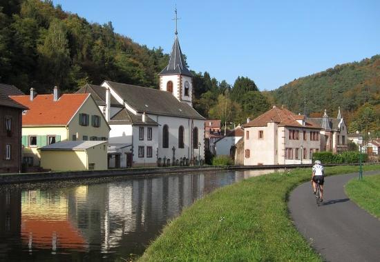 bei Lutzelbourg (Canal du Marne au Rhin)