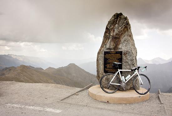 Am Gedenkstein