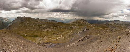 Blick vom Gipfel - Pano