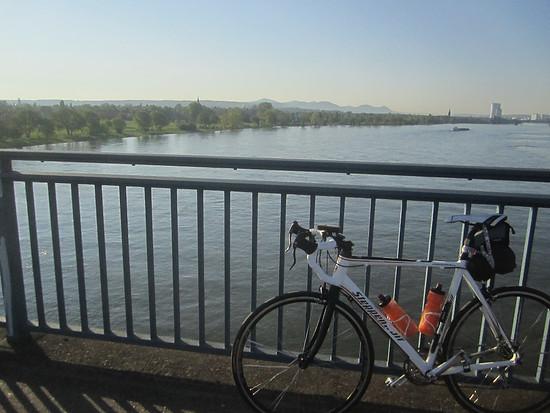 Rheinbrücke bei Bonn