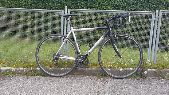 Mein erstes Rennrad, hässlich aber schnell
