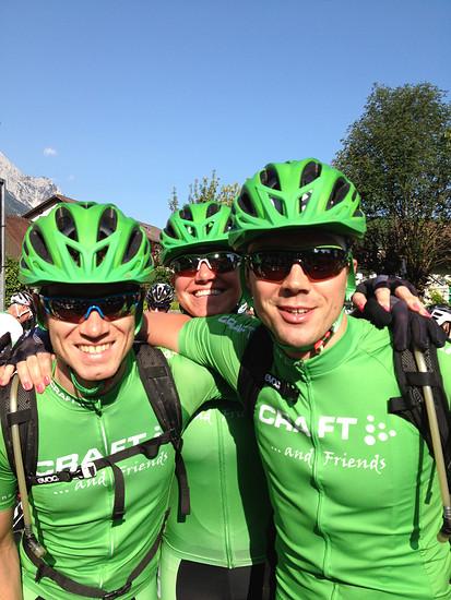 Ob die beiden nach den ersten Etappen der TOUR Transalp auch noch lachen, erfahrt ihr bei uns.