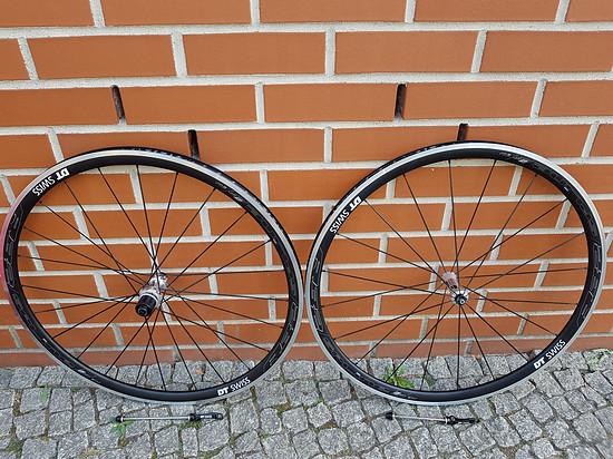 Zu Verkaufen. DT SWISS R32 SPLINE Laufradsatz Rennrad NEU 325€ Nur Abholung in Berlin. Kein Versand.