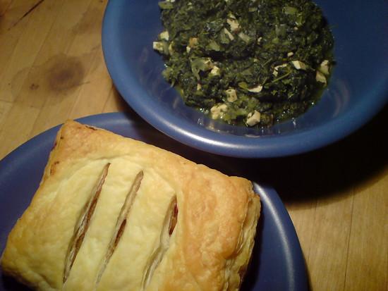 Bratstück im Blätterteig mit dem letzten Grünkohl des Jahres