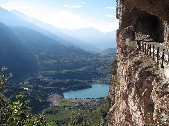 Straße nach Ranzo (Trentino)