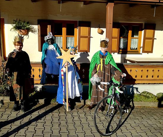 In der heutigen Zeit bringen die heiligen drei Könige auch brauchbare Geschenke mit, Rennräder zum Beispiel...;)