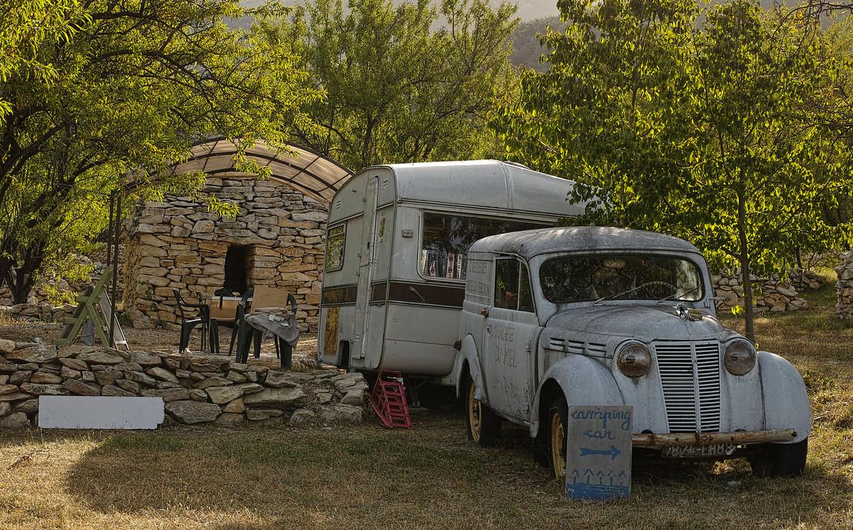 auto f r alltag und camping mit 7 sitzen und 4. Black Bedroom Furniture Sets. Home Design Ideas