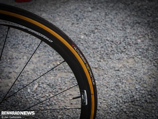 Direct Energie fährt Hutchinson Pro Tour Schlauchreifen auf Fast Forward Wheels