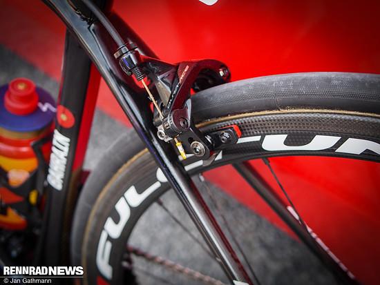 Dura Ace-Bremse am Teambike von Team Bahrain Merida