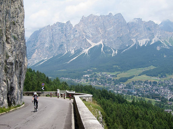 Cortina Ampezzo Passo Falzarego