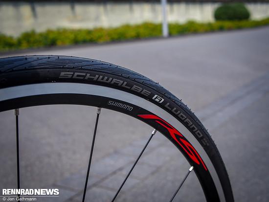 Schwalbe Lugano Trainingsreifen auf Shimano System-Laufrädern