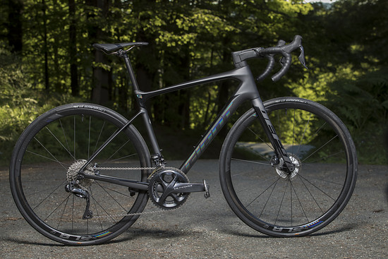 Das Giant Defy Advanced Pro 0 mit Shimano Ultegra Di2