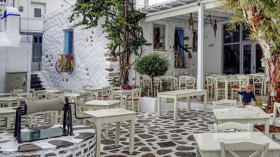HDR Taverne Naxos Stadt