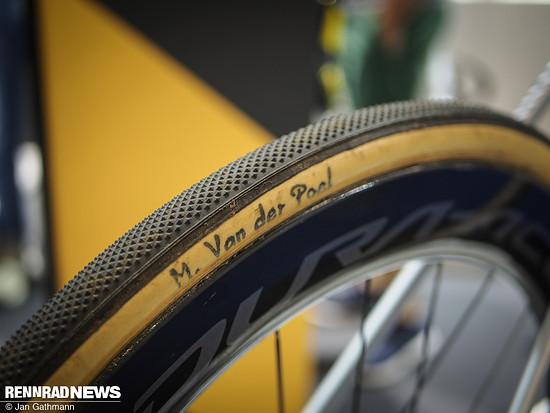 CX Reifen für trockene harte Böden am Rad von Mathieu van der Poel