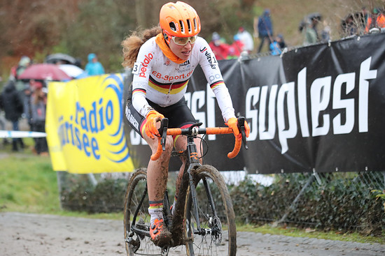 Elisabeth Brandau fuhr bei den Frauen Elite auf Platz 3