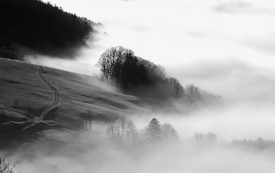 Langenbruck unter Wolken