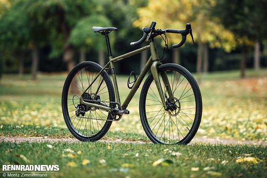 Specialized Sequoia Elite: Stahlrahmen mit konsequenter Bikepacking-Vorbereitung