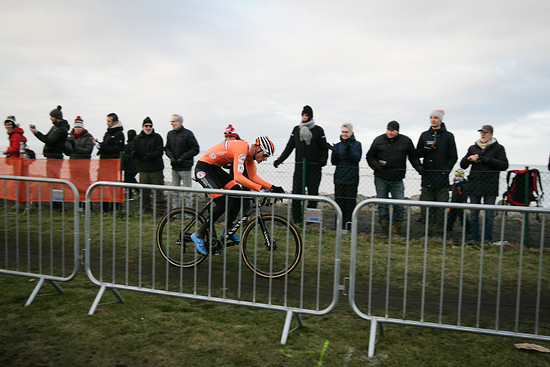 Mathieu van der Poel speeding away