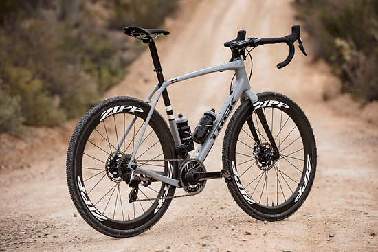 Trek Checkpoint mit SRAM Red eTap AXS