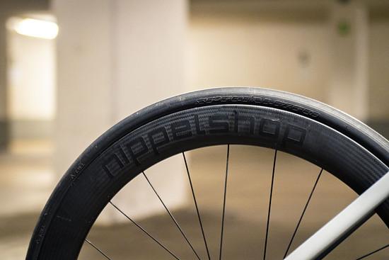 Nippelshop Carbonlaufräder in 55 mm Höhe hinten...