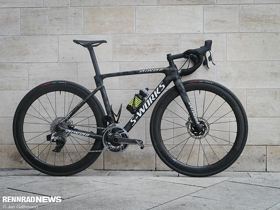 Specialized S-Works  Roubaix in der Team-Version mit SRAM Red eTap AXS