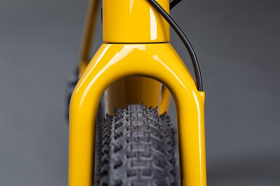 """… und mehr Platz für breitere Reifen – bis 2,1"""" in 650b passen"""