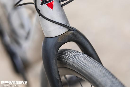 Die Enve Carbongabel mit viel Reifenfreiheit...