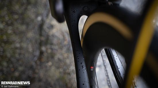 Im Rahmen ist Platz für Reifen bis zu 30 mm Breite – entscheidend ist das Maß, nicht die Größenangabe