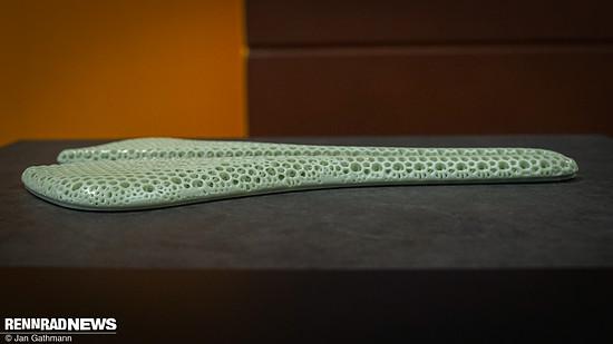 Die Satteldecke aus dem 3D-Drucker ist flach und leicht – sie soll 30 g sparen gegenüber der normalen Antares-Decke
