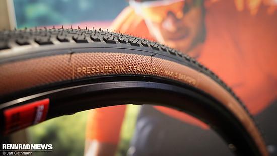 """Alle Reifen sind mit """"Tan Wall"""" oder schwarzer Seitenwand zu haben"""
