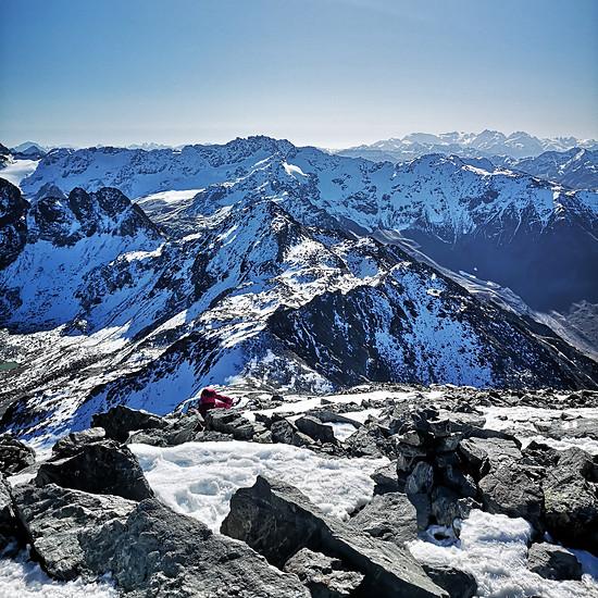 Blick zur Berninagruppe vom Schwarzhorn aus