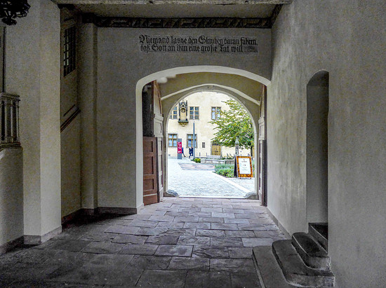 Wittenberg 07 . Durchgang zum Lutherhaus