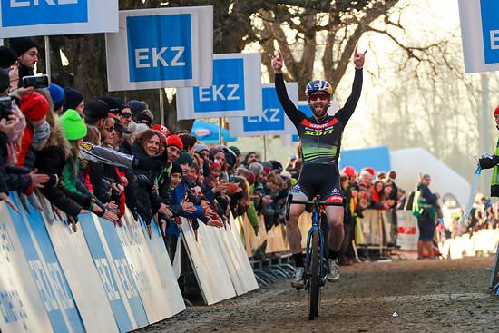 Lars Forster gewinnt