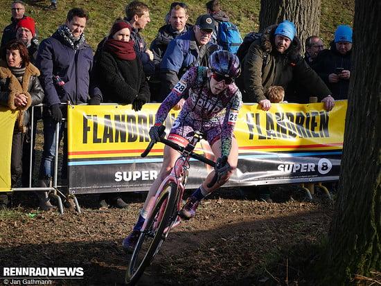 Ihre Landsfrau Samantha Runnels auf dem auffälligen Squid CX-Bike kam auf Platz 37
