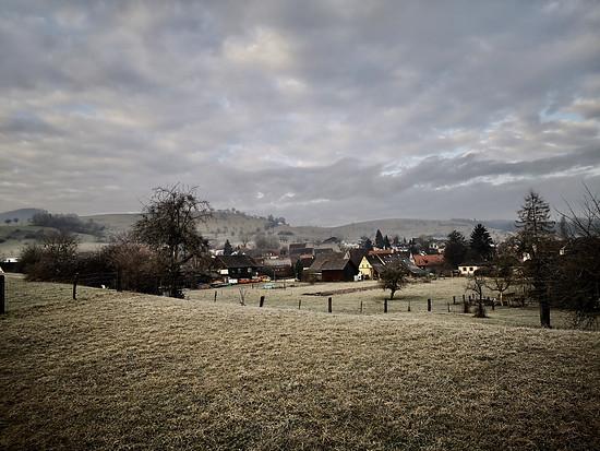 Sonntagmorgen bei uns im Dorf 01