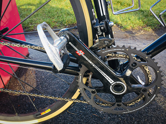 Auch die Campagnolo Super Record Gruppe...