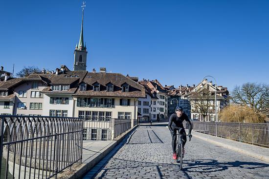 """An seinem Wohnort nahe Bern findet Cancellara das Pflaster """"okay"""""""