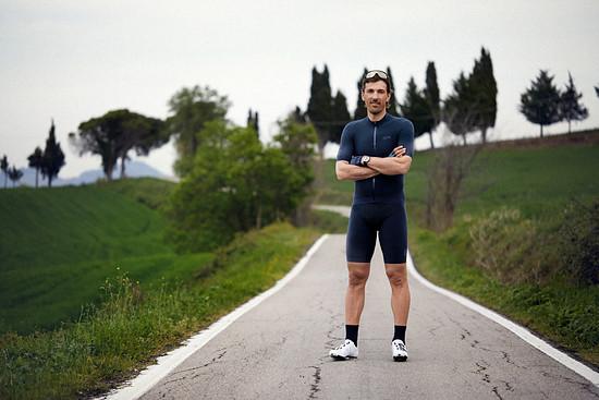 Cancellara hat zuletzt eine Rennrad-Kollektion zusammen mit Gore Wear entwickelt, die eigentlich im Vorfeld der Flandernrundfahrt in Belgien vorgestellt werden sollte.