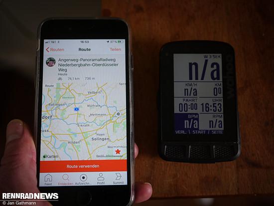 Man kann die Route direkt mit dem Smartphone verfolgen. Aber eigene Strava Routen synchronisieren sich auch automatisch mit verknüpften Geräte-Konten – hier ein Wahoo