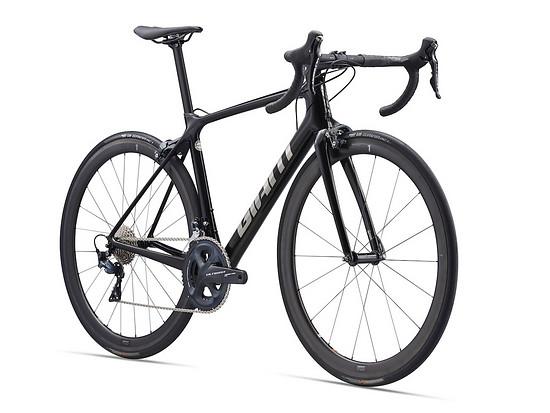 Die Giant TCR Advanced Pro kommt mit den SLR 1 Carbon-Laufrädern und integriertem Giant Powermeter