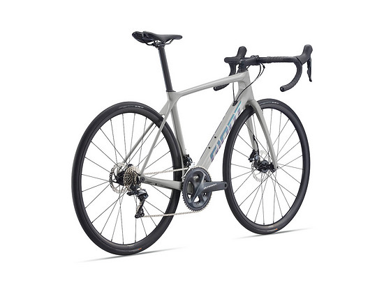 Und Giant TCR Advanced 1 mit Disc-Bremsen