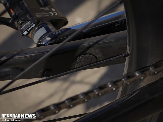 In der Kettenstrebe wird der Giant RideSense Speed-Sensor integriert