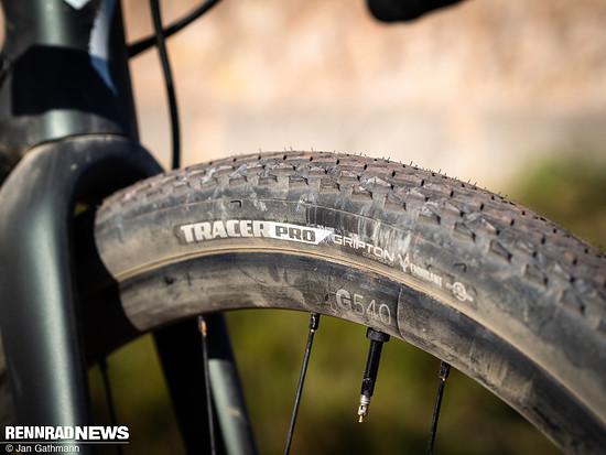 … mit einem bewährten XC-Profil für trockene, feste Böden. Mit beiden Reifen-Set-ups konnten wir Fahreindrücke sammeln