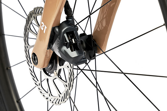 Flat-Mount Bremsen für 160 mm können vorne und hinten ohne Adapter montiert werden