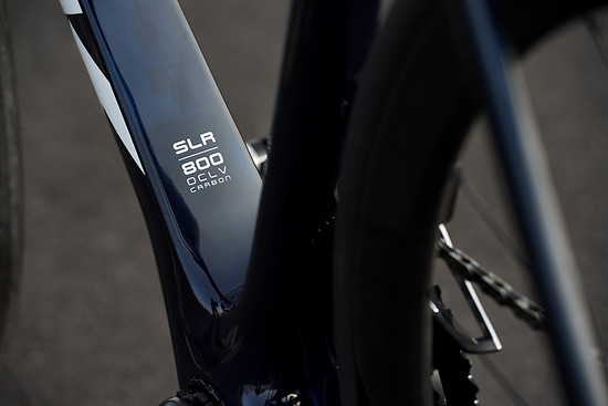 Nur an den SLR-Modellen zu haben. Das neue OCLV 800 Carbon spart massiv Gewicht